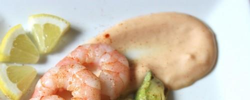 crevettes et avocat sauce cocktail