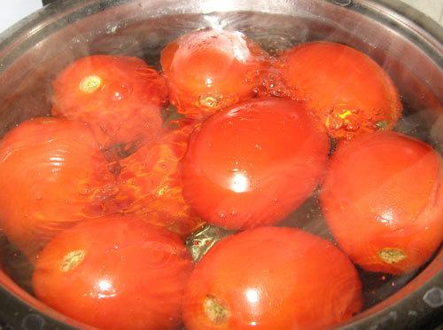 monder les tomates pour sauce tomate maison