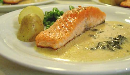 saumon sauce à l'oseille